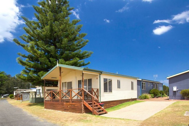Holiday Haven Lake Tabourie (CP) - Free Range Camping Directory