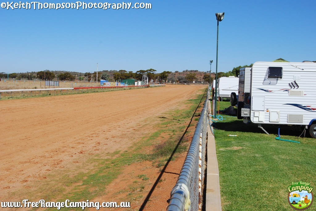 Broken-Hill-Racecourse008-2017-05-04.jpg