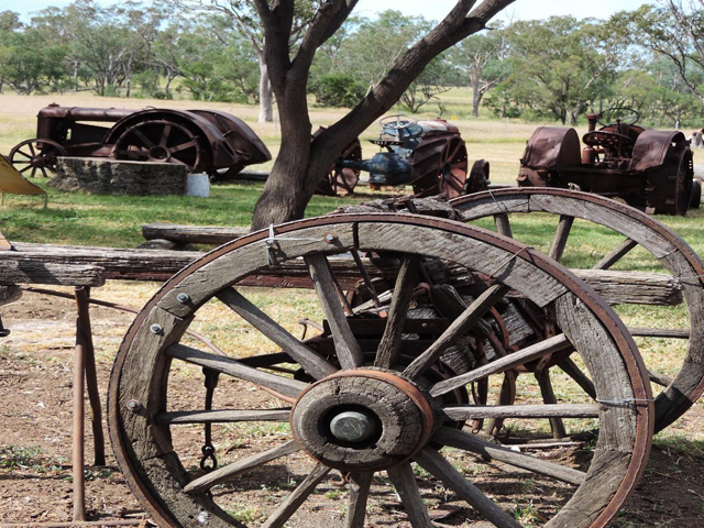 Meadowbank-Museum-and-Farmstay-Camp-Site-–-Roma-Antiques