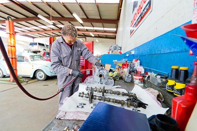 Jackmans-Garage-Service-Mechanic.jpg